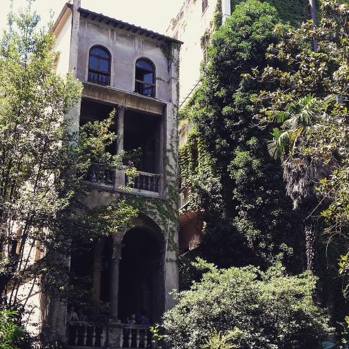 rome courtyard 1