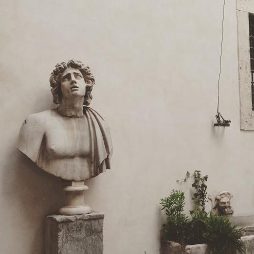 rome courtyard 2