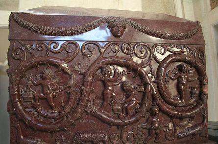 800px-0_Sarcofago_di_Costantina_-_Museo_Pio-Clementino_-_Vatican_(1)