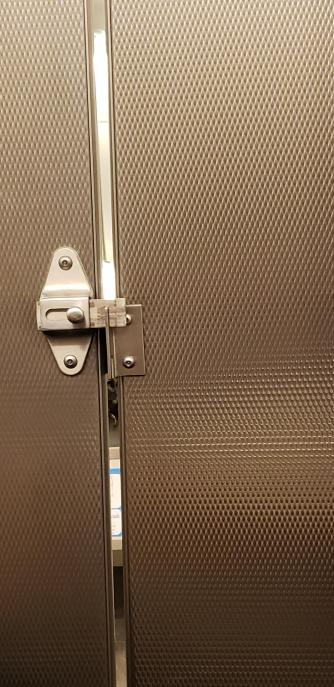 toiletdoor